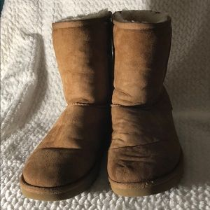 UGG TAN BOOTS SIZE 8